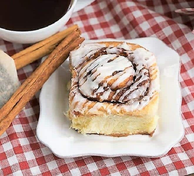 The BEST Cinnamon Rolls