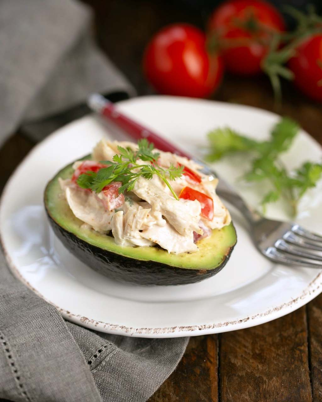 Southwestern Chicken Stuffed Avocados - Delicious, low-carb convenience food #keto #lowcarb #avocados #chicken #southwestern